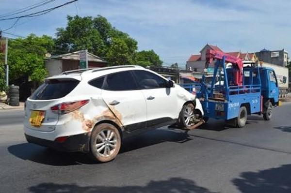 Cứu hộ lốp xe ô tô xe hơi